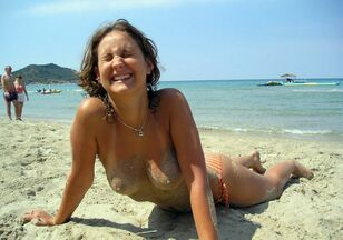 topless girls at the beach