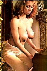 Jane Alexander  nackt